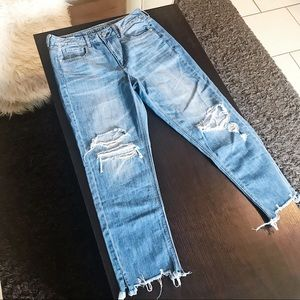 NWT American Eagle Hi-Rise TomGirl Jeans Ripped